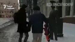 Гарадавому ў Менску прынесьлі пахавальны вянок з надпісам. ВІДЭА