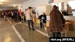 Қирғизистондаги сайлов участкаси.