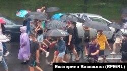 წვიმის მიუხედავად ხაბაროვსკში 3 000-ზე მეტი ადამიანი მონაწილეობდა აქციაში
