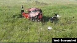 Скриншот с видео, распространенного очевидцами в Сети, с места ДТП на 77-м километре трассы Уральск – Аксай в Западно-Казахстанской области. 2 июня 2017 года.
