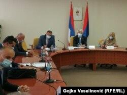 Sastanku prisustvuju Dodik i predsjednica RS-a Željka Cvijanović.