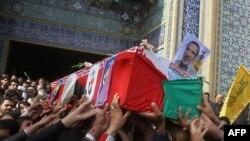 تشییع جنازه یکی از نیروهای سپاه که در سوریه کشته شده است.