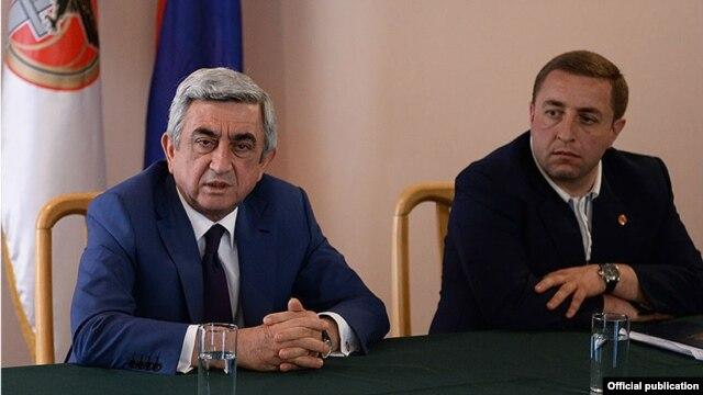 Armenia - President Serzh Sarkisian meets with representatives of the ruling Republican Party's youth organization, Tsakhkadzor,31May,2014
