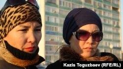 Жители города Актау, сочувствующие бастующим нефтяникам. Актау, 19 декабря 2011 года.