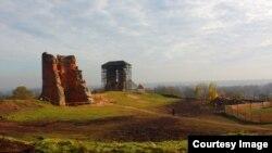 Руіны замку ў Наваградку