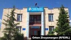 Здание Аккольской музыкальной школы. Акмолинская область, 17 июня 2013 года.