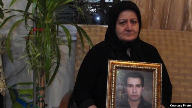 مادر احمد نجاتی کارگر