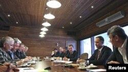 На первой встрече президента с представителями внепарламентской оппозиции