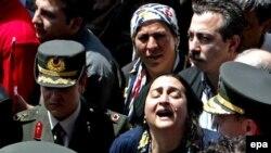 مادر یکی از سه تن از نیروهای نظامی ترکیه که در جنوب این کشور کشته شد