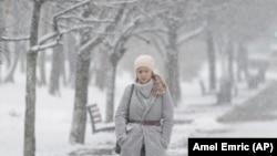 Сильні снігопади почалися в більшості регіонів України в ніч на 23 січня