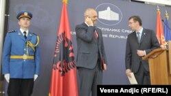 Премьер-министр Албании Эди Рама и премьер-министр Сербии Александр Вучич (справа).