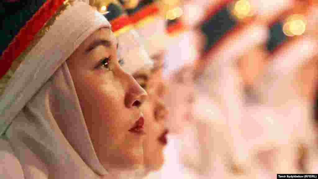 Фестивалды уюштуруучулардын бири журналист Элнура Кулуеванын айтымында, элечек фестивалын өткөрүү идеясы эки жыл мурда пайда болгон.