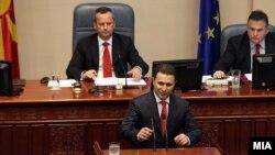 Премиерот Никола Груевски на собраниска седница на која ги предложи новите министри и заменици министри.