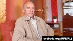 Анатоль Сахаруша: «Улада тэрарызавала людзей амаль паўтара года»