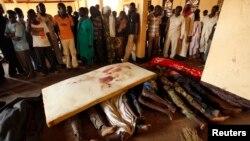 رئیس جمهور فرانسه درگیریهای آفریقای مرکزی را «وحشتناک» خوانده و دبیرکل سازمان ملل خواهان اقدامی فوری در این زمینه شده است.