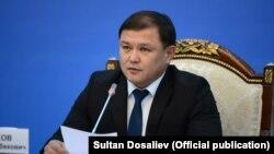 Спикер парламента Дастан Думабеков.