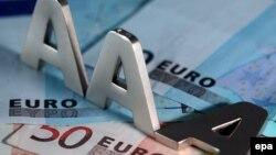 Лишь 4 из 17 стран еврозоны (Германия, Люксембург, Нидерланды и Финляндия) сохраняют наивысшие рейтинги от всех трех ведущих международных рейтинговых агентств