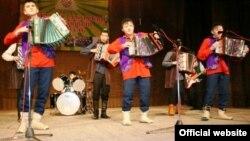 Төмән районы Талымхан авылы гармунчылары