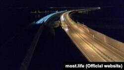Освещение железнодорожной части Керченского моста