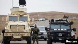 پلیس در نزدیکی خط لوله داکوتای شمالی