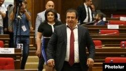 Armenia -- Prosperous Armenia Party leader Gagik Tsarukian arrives for a parliament session in Yerevan, May 29, 2019.