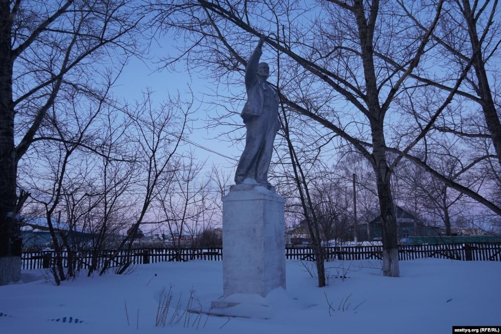 Владимир Ленин ескерткіші. Айдабол ауылы Ақмола облысы, 25 ақпан 2021 жыл.