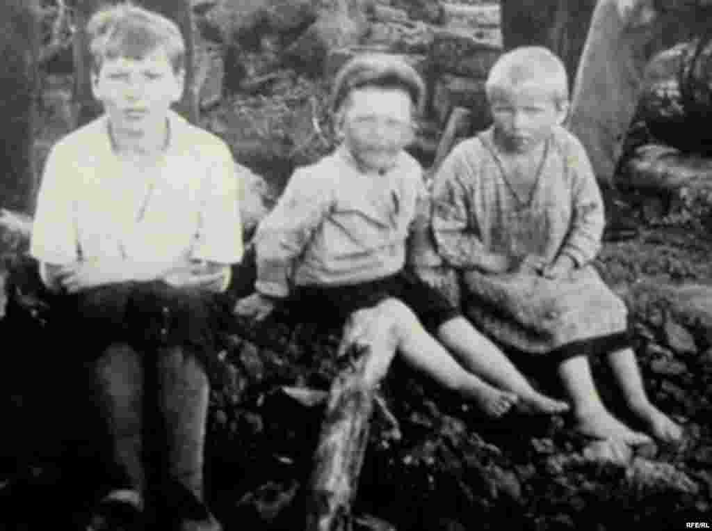 Holodomor: Famine In Ukraine, 1932-33 #10