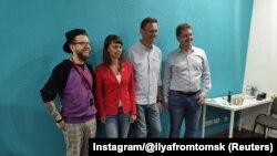 Алексей Навальный (второй справа) и Ксения Фадеева. Томск, 19 августа 2020 года.