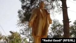 Отреставрированный памятник Ленину в Шахритусе.