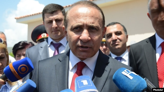 Armenia - Prime Minister Hovik Abrahamian talks to reporters in Kosh, 16May2014.