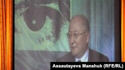 Кадр из фильма о оппозиционном политике Алтынбеке Сарсенбаеве.