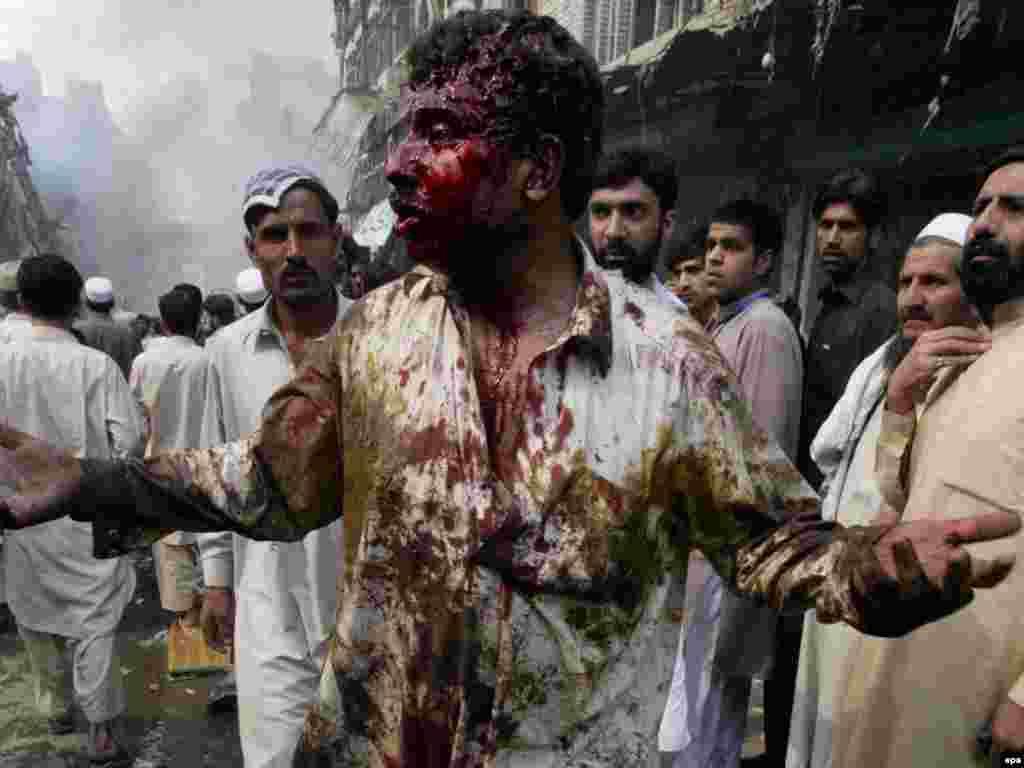 Взрыв в Пешаваре: свыше 90 убитых, более 200 раненых