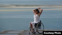 Танец на инвалидной коляске в фильме «Молния»