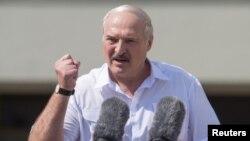 Lukaşenka öz öňe sürmelerini delillendirmek üçin hili subutnama getirmedi.