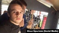 Один из автозаков на Тверской улице в Москве. За первые 15 минут митинга полиция задержала не менее 11 человек
