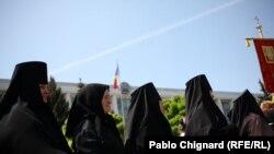 Православные христиане протестуют против признания ислама на территории Молдовы. Кишинев, 18 мая 2011 года.
