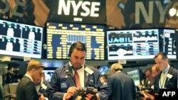 Трейдеры на Нью-Йоркской фондовой бирже.