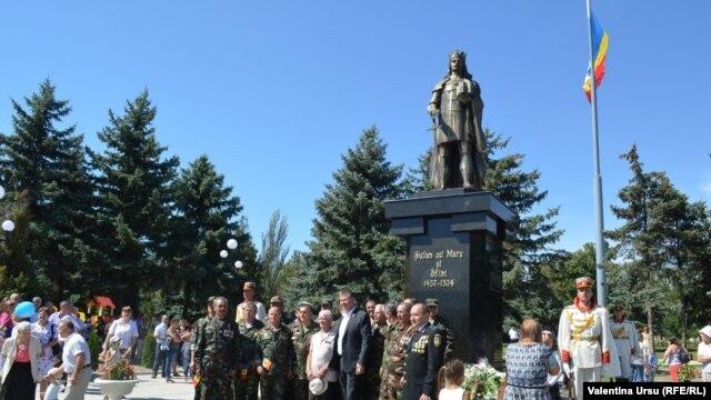 La inaugurarea monumentului lui Ștefan cel Mare la Criuleni