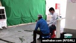 Пункт санитарного контроля на ашхабадском рынке. Июль, 2020
