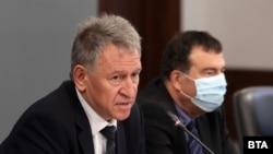 Служебният министър на здравеопазването д-р Стойчо Кацаров