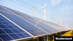 Илустрација - соларни панели, зелена енергија.