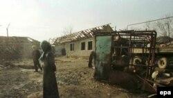 Деревня под Грозным после бомбардировки