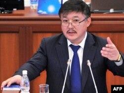 Парламент раиси Ахматбек Келдибеков.
