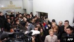 Кандидат на Президента Юлія Тимошенко у вівторок прибула до Вищого адміністративного суду для оскарження офіційно оголошених результатів виборів глави держави. Київ, 16 лютого