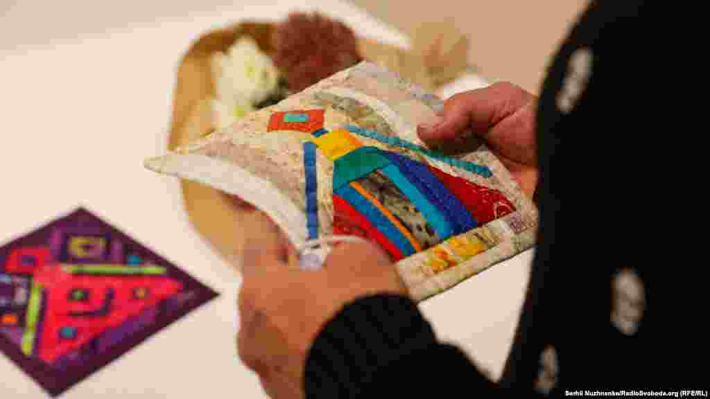 Печворк – текстильна творчість в техніці мозаїки та аплікації із клаптиків тканини, яке стає все більш популярною зараз в світовій практиці як серед любителів, так і професіоналів. Цей вид рукоділля існував у тюркських народів на Сході з незапам'ятних часів як окремий вид магічного мистецтва, а в Європі і Америці набув популярності в XIX столітті як самодіяльна творчість жінок, які стали використовувати вцілілі фрагменти тканини від зношених речей для створення одягу і предметів побуту. Привабливість цієї техніки полягає в надзвичайному різноманітті текстильних фактур з уже нанесеними на них візерунками, створеними професійними дизайнерами