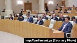 მინისტრობის კანდიდატები პარლამენტში