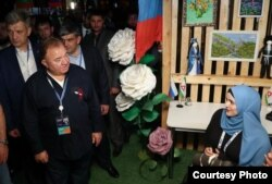 "Глава Ингушетии Махмуд-Али Калиматов и Лиза Евлоева на форуме ""Машук"""