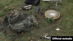 Ադրբեջանական դիվերսիոն խմբից առգրավված միջոցներ, նկարը՝ ԼՂ ՊՆ կայքէջի