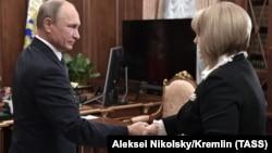 В. Путин и Э. Памфилова в октябре 2017