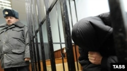 Сегодня же Следственный комитет по Северной Осетии объявил о задержании двоих сотрудников уголовного розыска – их подозревают в превышении должностных полномочий и применении насилия в отношении Владимира Цкаева